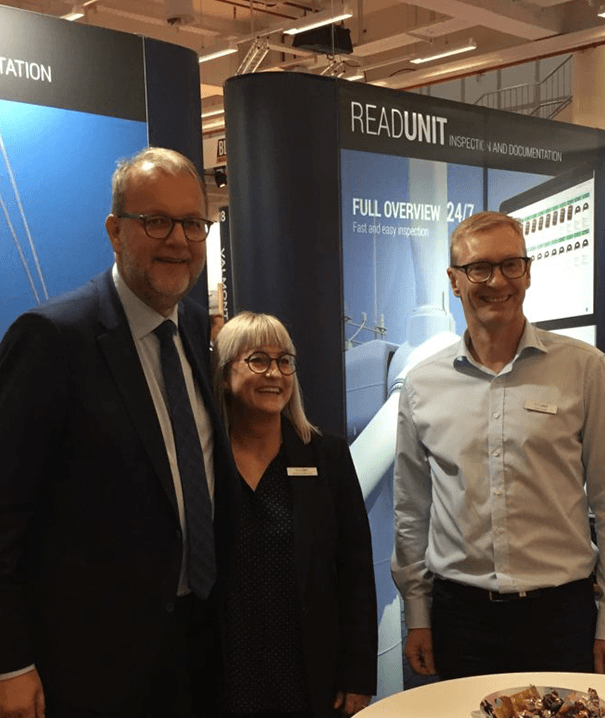 Torben Kofoed, Co-owner of Readunit and the Danish Minister of Energy, Utilities and Climate, Lars Christian Lilleholt, at the Wind Energy Haburg fair in 2018